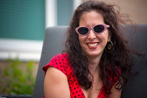 Unmani wearing sunglasses
